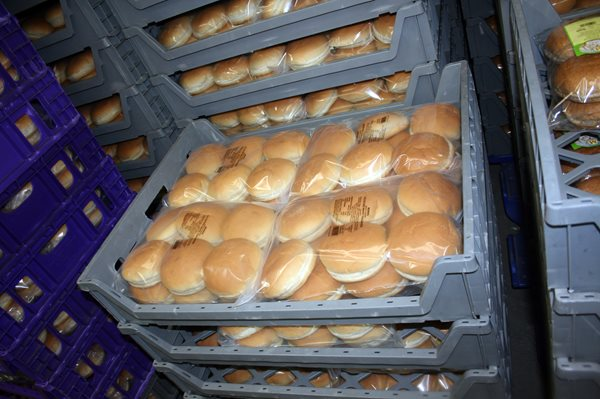Morris Bakery hamburger buns packaged with Automated Packaging Systems Bags and Baggers